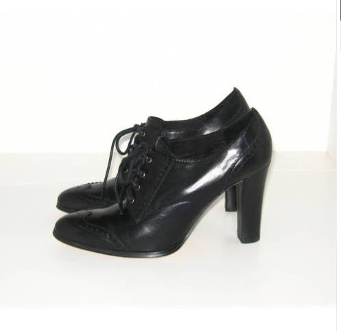 Charles David high heel oxfords black