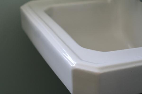 sink detail porcelain