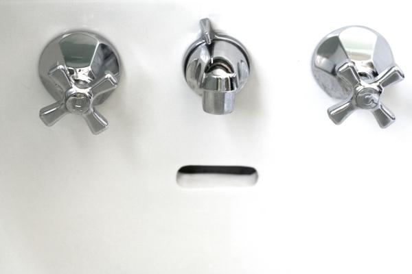 vintage sink chrome